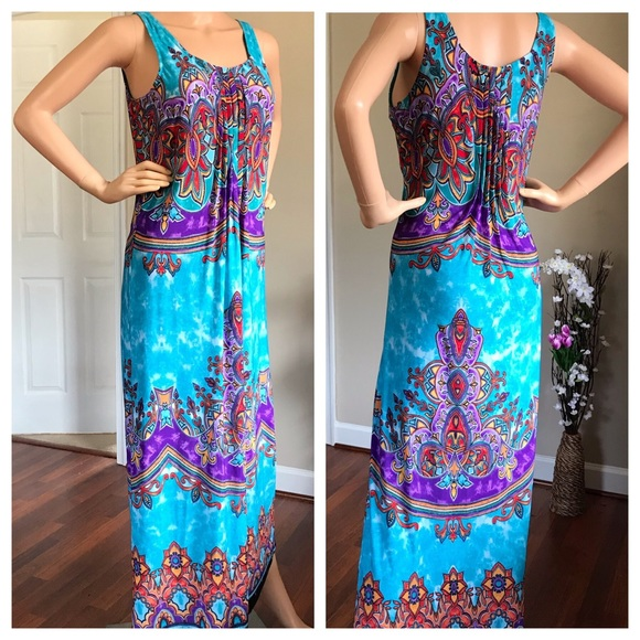 Glamour Dresses & Skirts - Long Blue dress with beautiful patterns and pleats